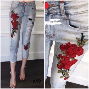 Quần jeans 9 tấc thêu hoa