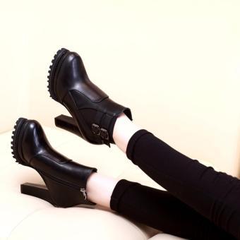 Giày boot nữ đế vuông cổ ngắn sành điệu GBN137