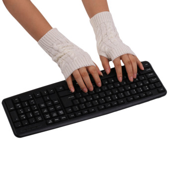 Knitted Fringe Warm Gloves White (Intl)