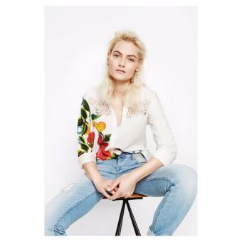 Mua Áo Sơ Mi Nữ Tay Dài Thêu Hoa Desigual Shirt Floral 72C2EG81000 giá tốt nhất