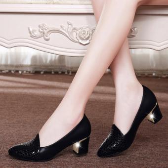 Giày gót vuông phối vân nổi Nutri