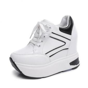 Giày sneaker nữ Đế Bánh Mì Phối Trắng Viền Đen BM230W (Trắng)