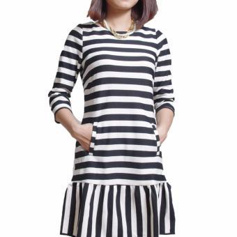 Đầm Suông Đuôi Cá Kẻ Ngang Cổ Tròn Salome Fashion