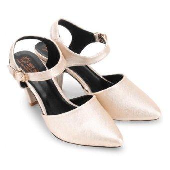 Giày nữ Huy Hoàng cột dây hởGót (Kem)