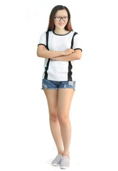 Áo thun phối sọc cool girl cá tính D59 (Trắng)