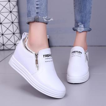 Giày Slip On Độn Đế Trang Trí Khóa Kim Loại 236W (Trắng)
