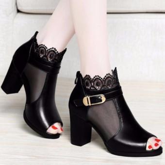 Giày boots phối ren hoa (Đen)