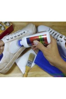 Bình xịt làm sạch giày và túi da
