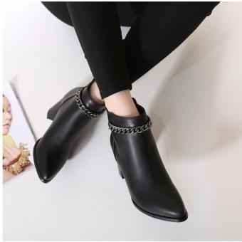 Giày boot nữ cổ ngắn đế vuông màu đen 8cm GBN129