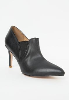 Giày boot nữ LARA mũi nhọn bít mũi đầy cá tính dễ dàng kết hợp váy jean đầm (Đen) HMF 901