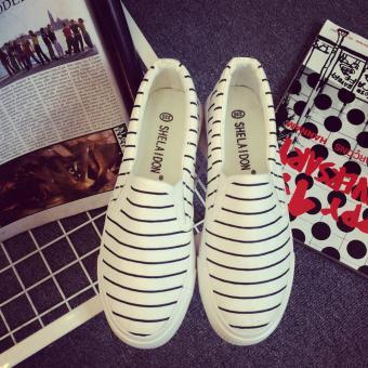 Giày lười nữ màu trắng sọc đen GL40