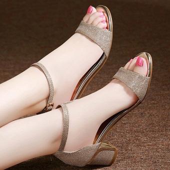 Giày gót vuông đế viền vàng G461 (Vàng)