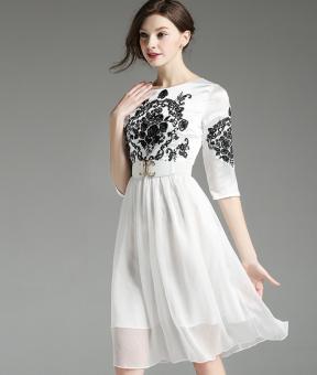 Đầm suông M1071 (Trắng)