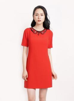 Đầm tay ngắn cổ phối lưới đính nơ Bella Moda