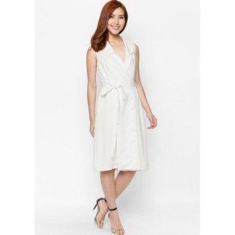 Đầm Fadfashion cột eo trắng F162012D