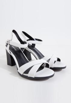 Sandals giả da nữ hiệu Aokang hàng mới 100% Size 35 mã 17281106735