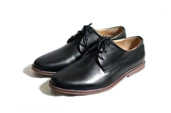 Giày casual viền chỉ trắng Tathanium Footwear (Đen)