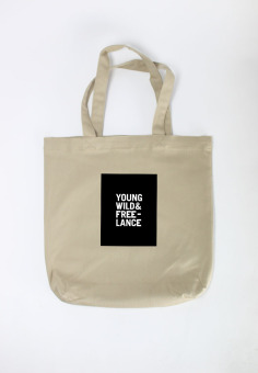 Túi Tote Nữ In Hình Young Wild And Free (Khaki)