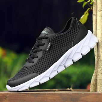 Jarma man's breathable sneakers net vamp light and soft running shoes walking shoes (Black) - intl