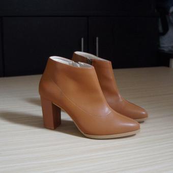 Giày bốt thời trang nữ UNI 0723 (Nâu)