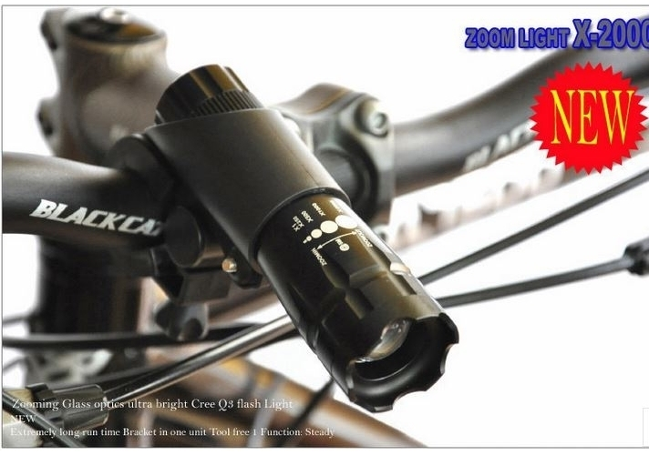 Đèn Pin Siêu Sáng Chuyên Dụng LED Q3 ZOOM X2000 (Đen) Kèm Giá KẹpĐèn Pin Xe Đạp 360 độ