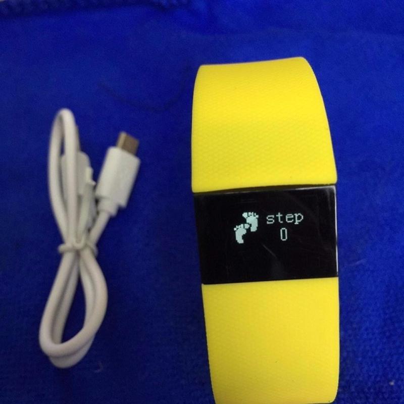 Đồng hồ sức khỏe thiết kế thông minh nhỏ gọn cho trẻ ( màu ngẫu nhiên ) bán chạy
