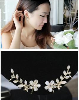 Bông tai nữ (Khuyên tai) hình bông hoa đính đá cao cấp sang trọng (BT55)