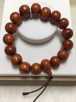 Vòng tay gỗ hương thơm may mắn bình an nâu vàng 6649