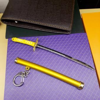 Móc chìa khóa kiếm nhật samurai vàng cực ngầu