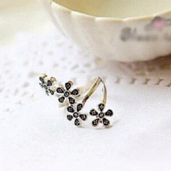 Nhẫn ôm ngón retro hoa mai (màu bạc cổ)