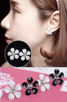 Bông tai (Khuyên tai) hình hoa đen xinh xinh phong cách Hàn Quốc (BT4b)