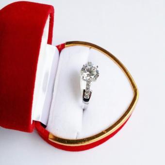 Nhẫn bạc Lamia đính đá hình kim cương sang trọng (LANHA014)