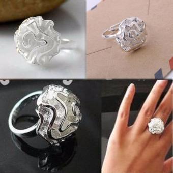 Nhẫn nữ hoa hồng TS1045