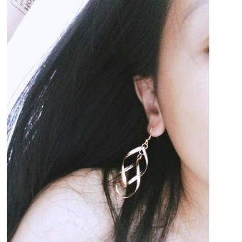Bông tai xoắn phong cách Hàn