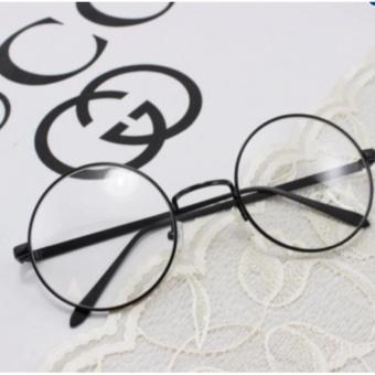 Mắt kính ngố gọng cận Nobita tròn xoe.PA