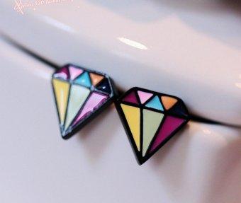Bông tai kim cương 2D màu sắc