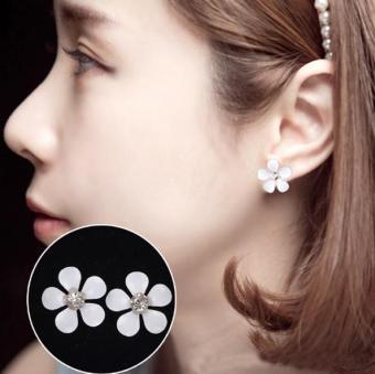 Bông tai (Khuyên tai) hình hoa trắng xinh xinh phong cách Hàn Quốc (BT4a)