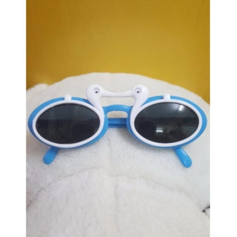 Mua Kính mát trẻ em chống nắng hình con vịt (Trắng xanh)  + Tặng 1 đôi găng tay lót nỉ siêu cute + Tặng 1 đôi dép nỉ đi trong nhà