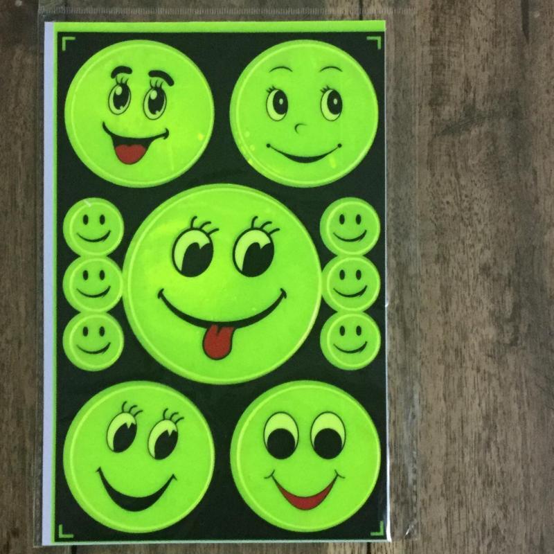 Miếng dán phản quang mặt cười (02)