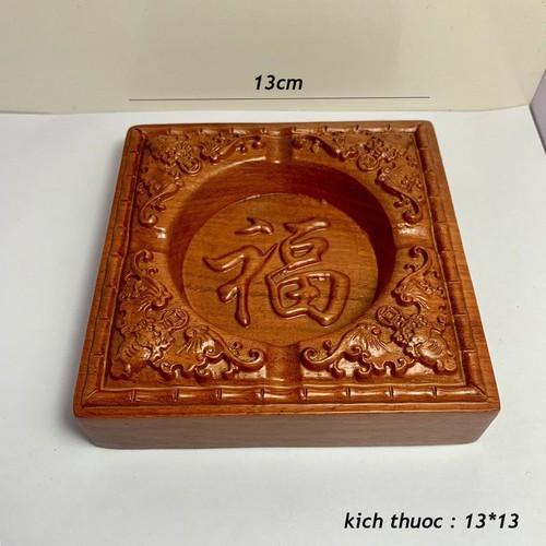 Gạt tàn vuông gỗ hương nguyên khối chạm khắc chữ phúc,hoa văn tinh xảo - Loại đẹp