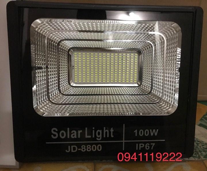 đèn năng lượng mặt trơi 100w jD 8800