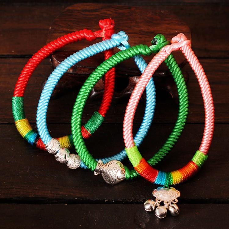 Vòng tay may mắn chỉ phong thủy handmade từ Tây Tạng đem lại bình an và may mắn
