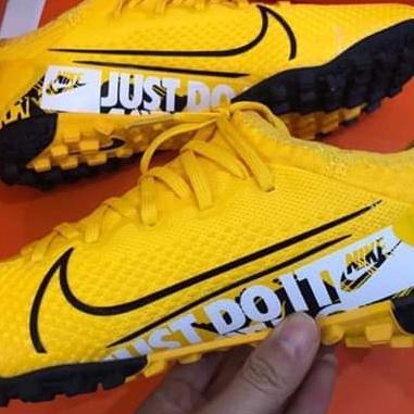 Giày đá bóng Mercurial vapor 13 pro vàng tf