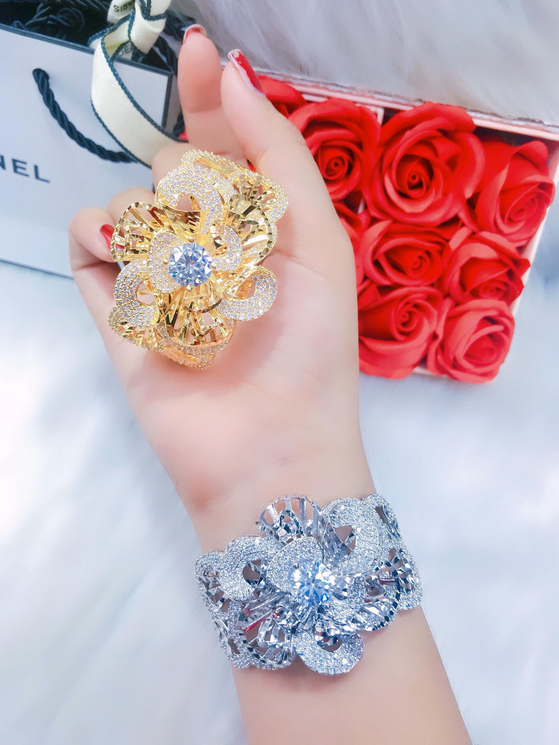 Vòng Tay Nữ Hoa Xoáy - Thiết Kế Hàn Quốc - Givishop - V100211 - [ Chất Liêu Bên Trong Bạc Thái, cam kết không đen không dị ứng ] - vòng lắc tay nữ, vòng tay vàng tây nữ, vòng đeo tay nữ cá tính, mau vong deo tay vang 18k, vòng tay cho nữ