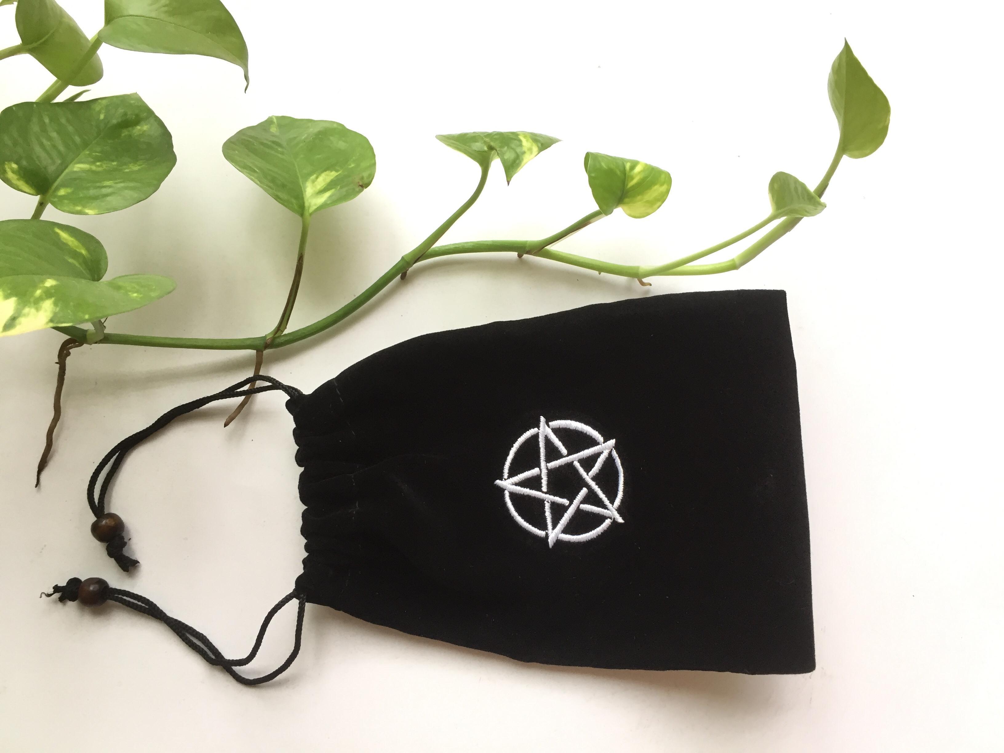 Túi vải nhung đen 12cm 17cm dây rút thêu hình sao đựng bài Tarot, trang sức, mỹ phẩm, điện thoại