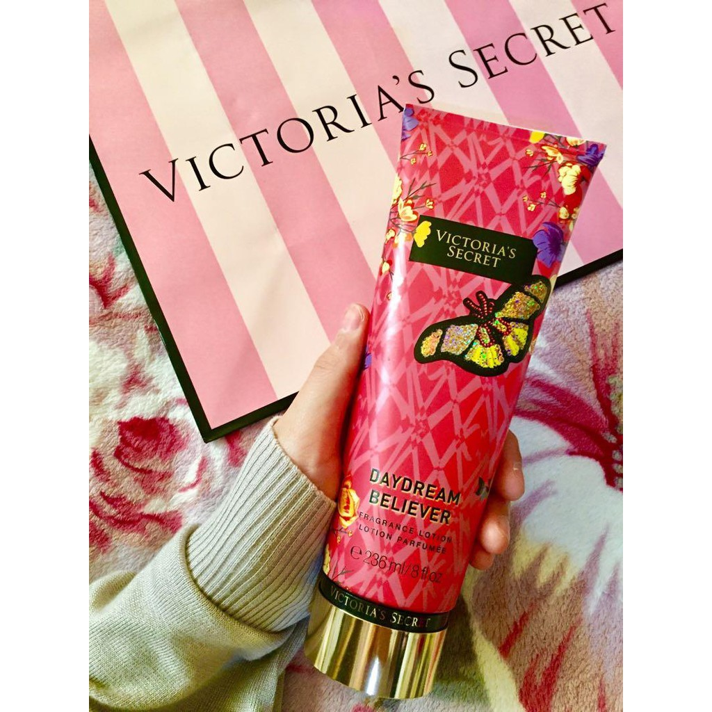 Dưỡng thể giữ ẩm da Victoria's Secret Fragrance Lotion Daydream Believer 236ml (Mỹ)