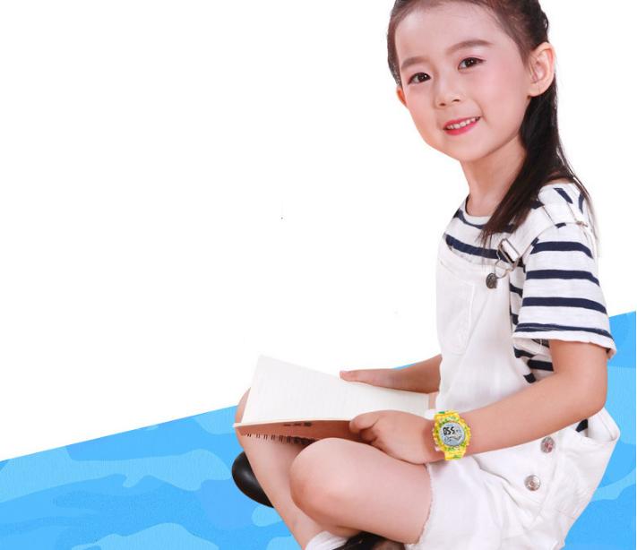 [MIỄN PHÍ GIAO HÀNG] Đồng hồ trẻ em đa chức năng kết hợp hiệu ứng đèn Led chính hãng Coobos, chống trầy xước, chống nước tốt, bảo hành 2 năm 1