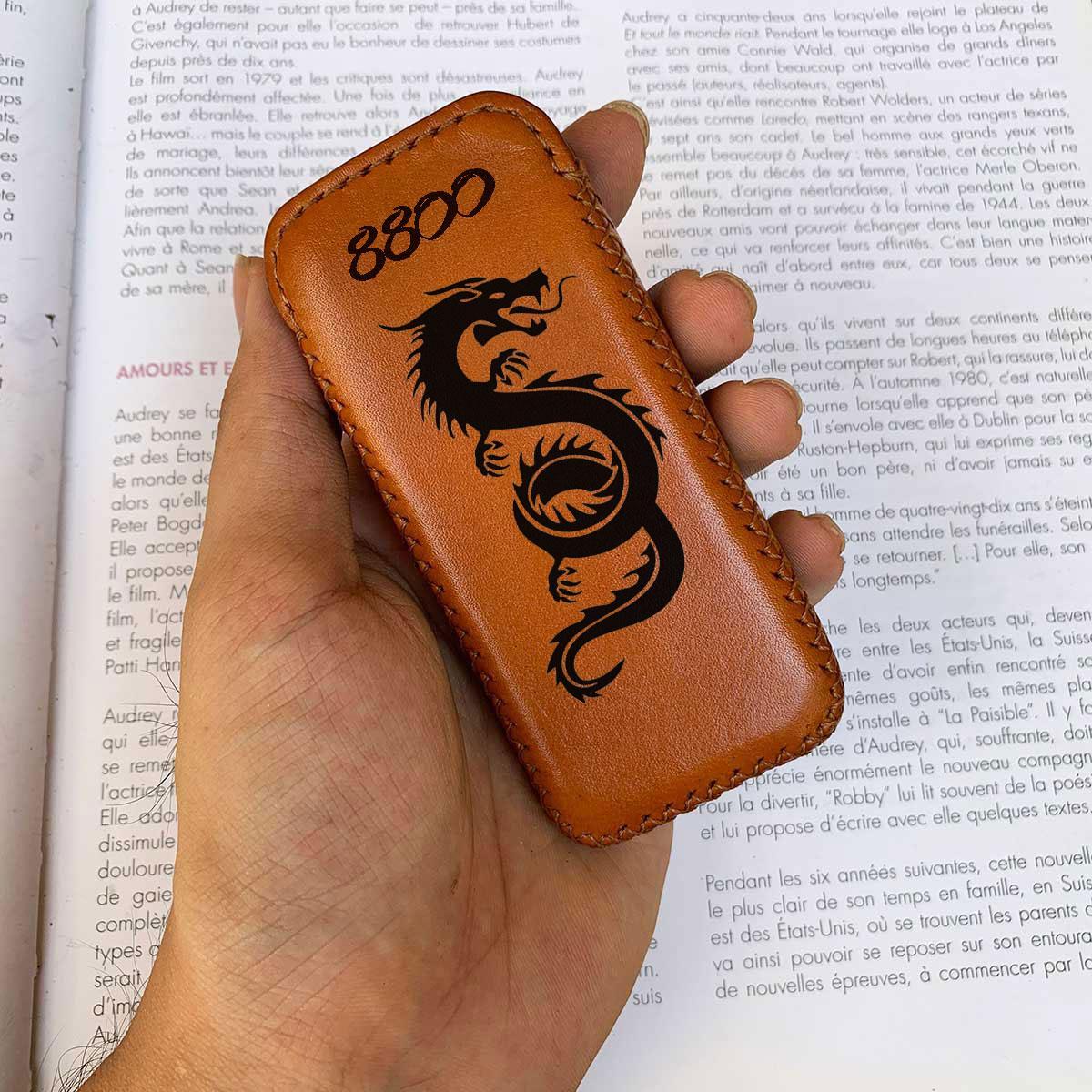 Vỏ bao 8800 - da bò thật - khắc hình - đồ da thủ công MC433