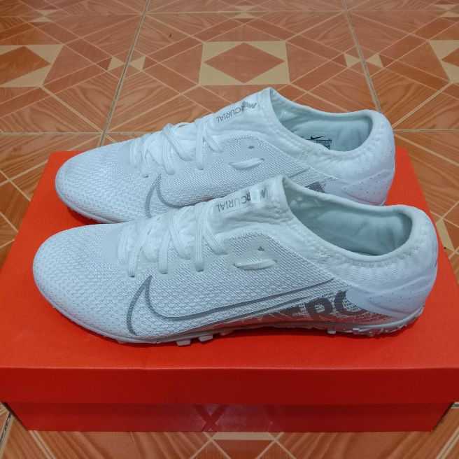 giày đá bóng  Mercurial vapor 13 pro tf trắng