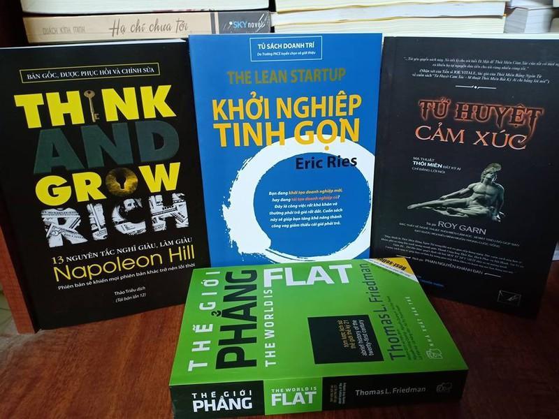 Combo 4 sách: 13 nguyên tắc nghĩ giàu làm giàu, Thế giới phẳng, Khởi nghiệp tinh gọn, Tử huyệt cảm xúc